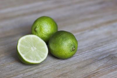 BG1396 Limonka na desce