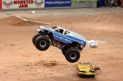 BG1421 Monstertruck