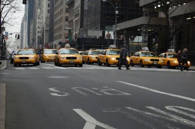 BG1430 Nowojorskie żółte taksówki