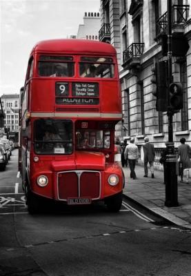 Angielski piętrowy autobus