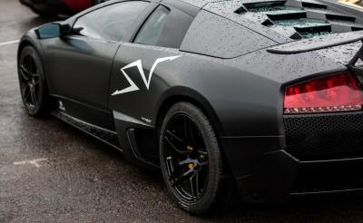 Czarne Lamborghini