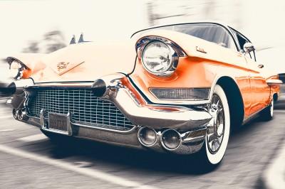 Pomarańczowy Cadillac