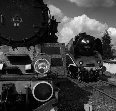 Pociągi z Wolsztyna Ol49-69 i 18-201
