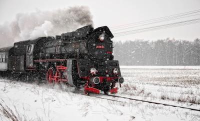 Lokomotywa Ol49-59 w śnieżycy