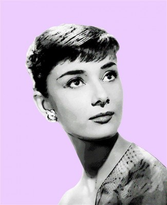 Audrey Hepburn kusi spojrzeniem