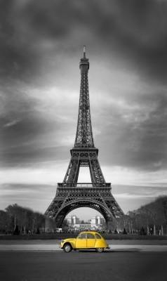 Żółty Citroen w Paryżu