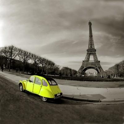 Żółte autko we Francji