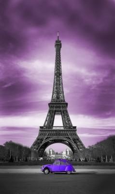 Fioletowe niebo i Wieża Eiffla