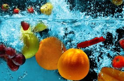 Błękitny plusk z owocami