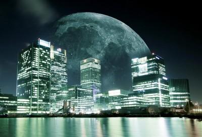 Księżyc nad miastem