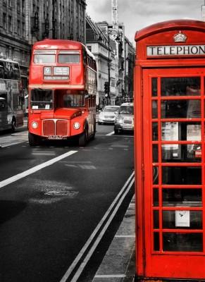 Londyńska budka i czerwony autobus