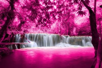 Różowy wodospad