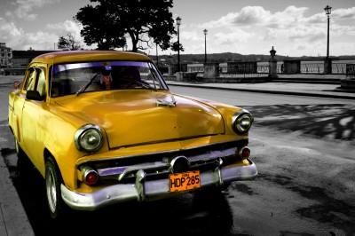 Żółty kubański weteran szos