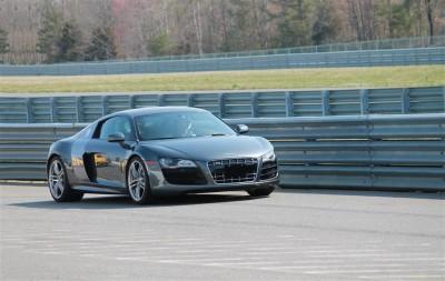 Audi R8 na torze wyścigowym
