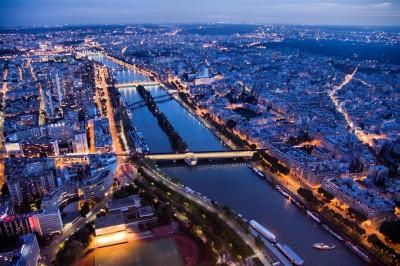 Nocna panorama Paryża