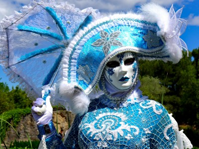 Niebieska maska karnawałowa