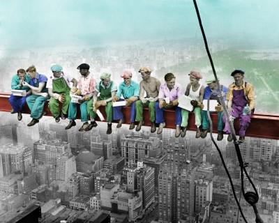 Robotnicy na belce w kolorze