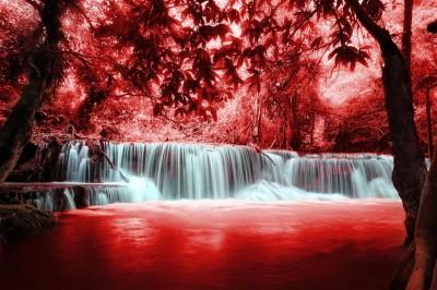 Czerwony wodospad