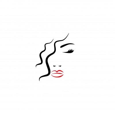 Kobieta z czerwonymi ustami