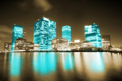BG659 Błękitne wieżowce w Londynie