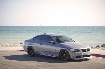 BMW na plaży