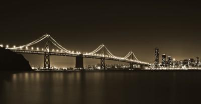 Most nocą w sepii
