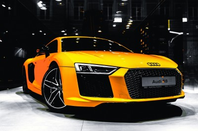 Żółte Audi R8