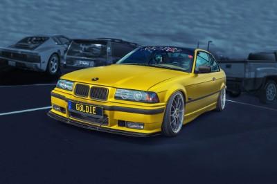 Złote BMW